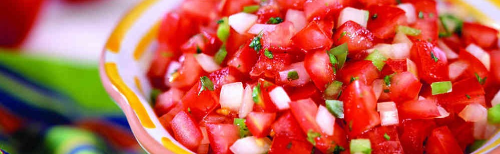 Receta de ensalada de marihuana, tomate y hierbas