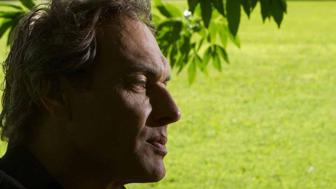 Simon es el fundador del banco de semillas Serious Seeds.