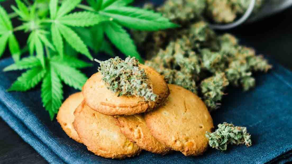 Al Maridar marihuana con comida hay que tener en cuenta el tipo de alimento