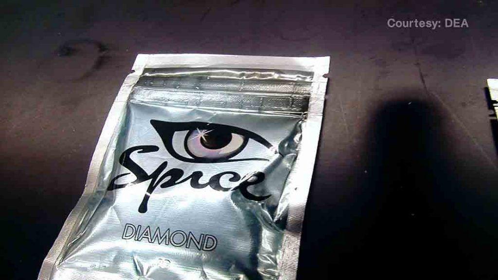 """cannabinoides sintético presentes en una bolsa hermética con el nombre """"Spice"""". DEA"""